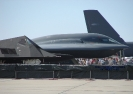 هواپیما بمب افکن بی-2